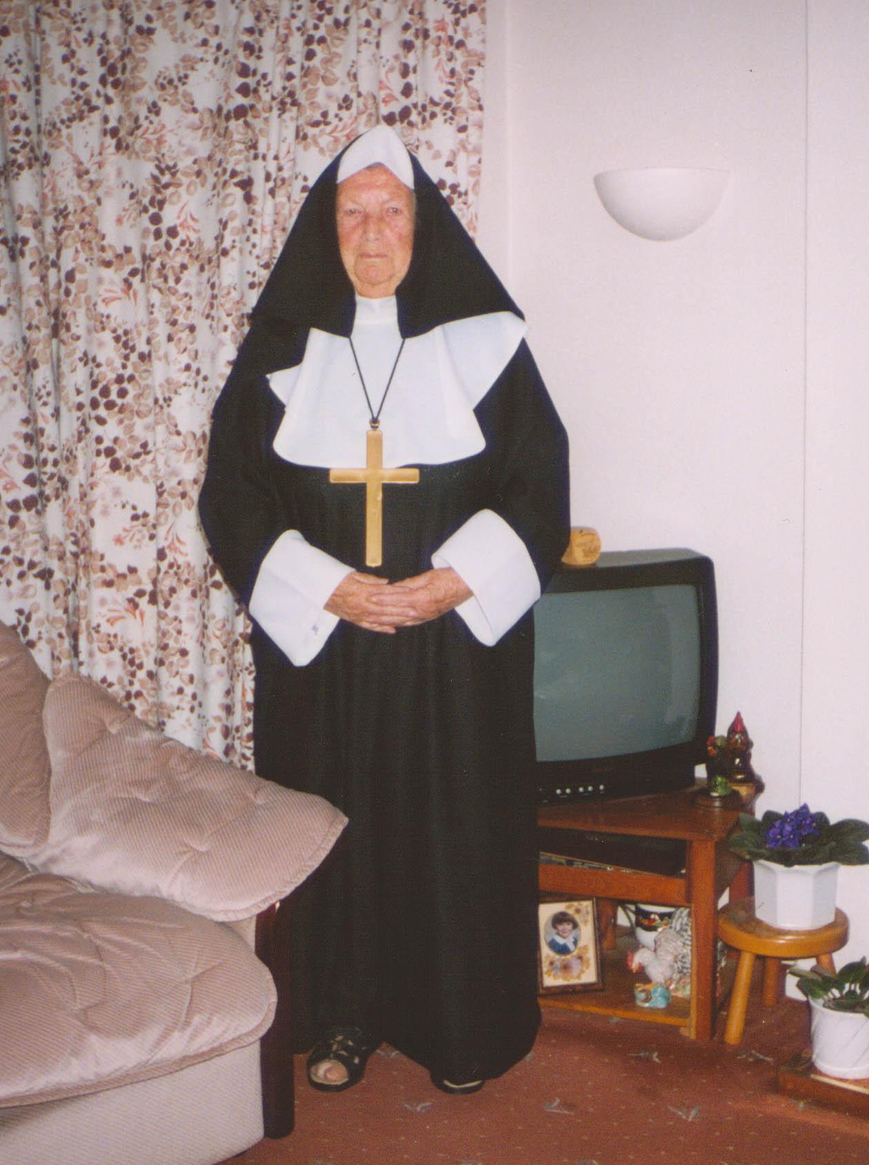 mum true vocation nov 2002